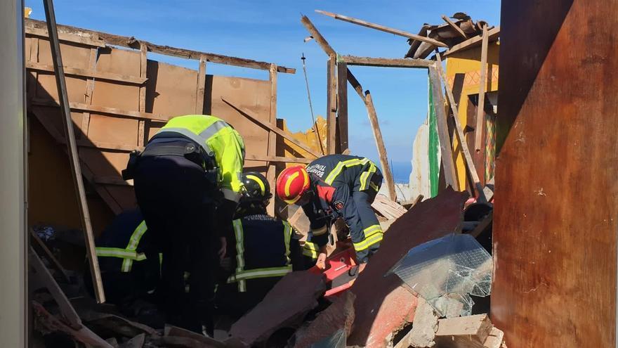 Un hombre sufre heridas leves tras derrumbarse el techo de su vivienda en Icod, Tenerife