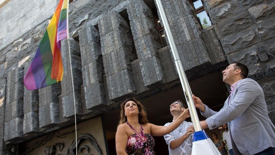 """Canarias se suma al Día Internacional del Orgullo LGBT y apuesta por una sociedad """"más justa y más igualitaria""""."""