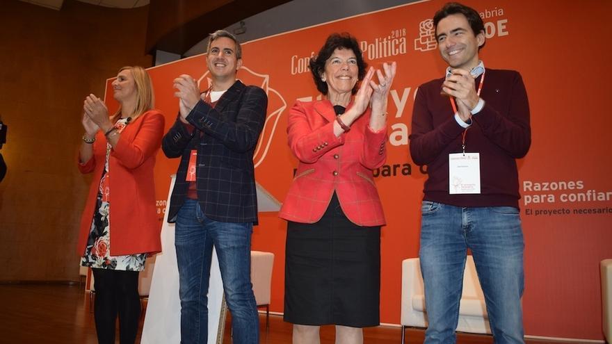 """Celaá ve en Zuloaga un """"excelente cartel electoral"""" para que PSOE pueda """"dar la sorpresa"""" y """"ganar"""" en 2019 en Cantabria"""