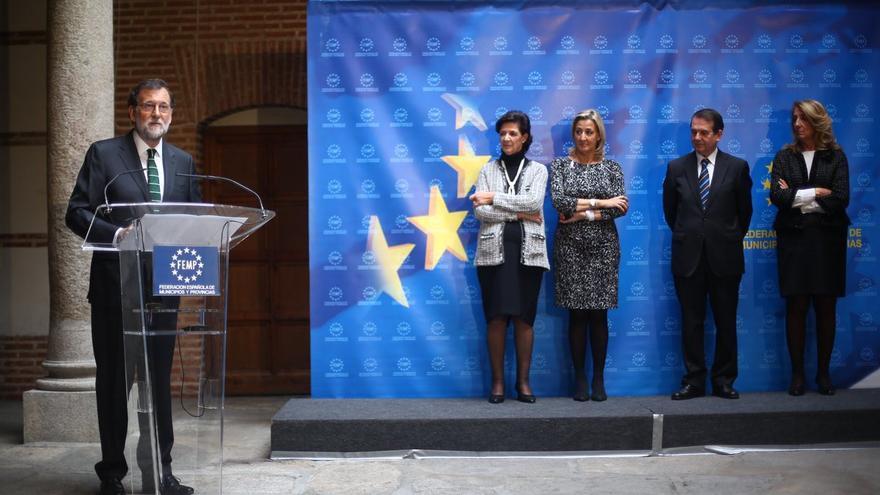 Mariano Rajoy en el acto de entrega de la Llave de Oro a Rita Barberá