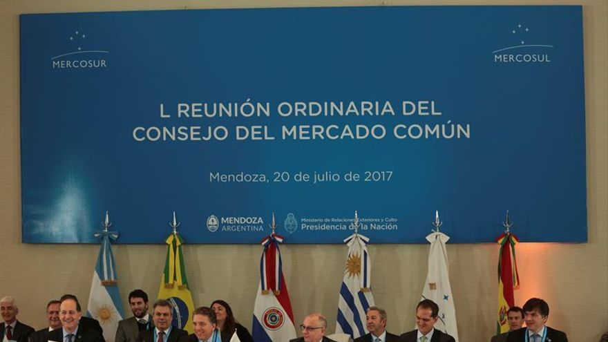 Argentina no descarta que el Mercosur aplique más sanciones a Venezuela