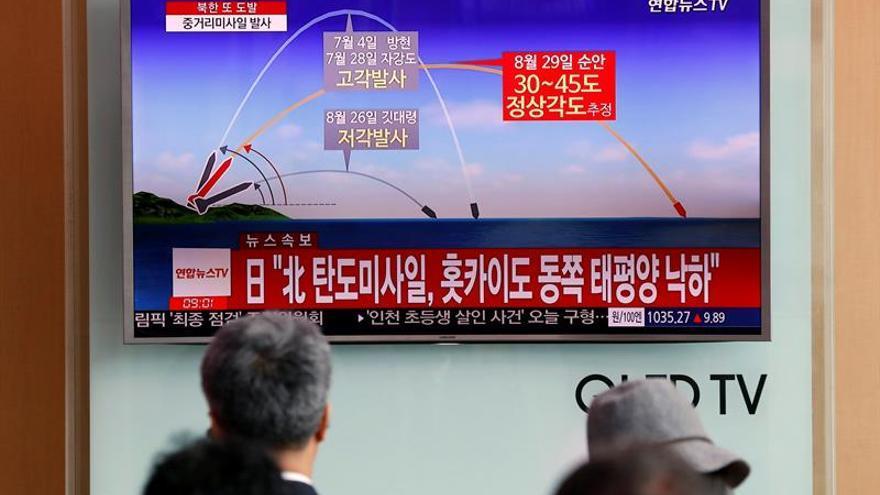 Corea del Norte defiende su arsenal nuclear en el día de su fundación