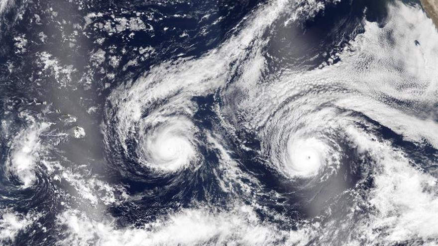 Lester se acerca a Hawai como huracán de categoría 2