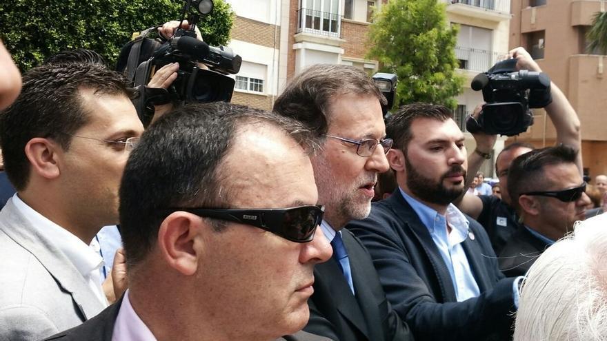 """Rajoy recibe gritos de """"presidente"""" y """"ladrón"""" a su llegada a Alfafar (Valencia)"""