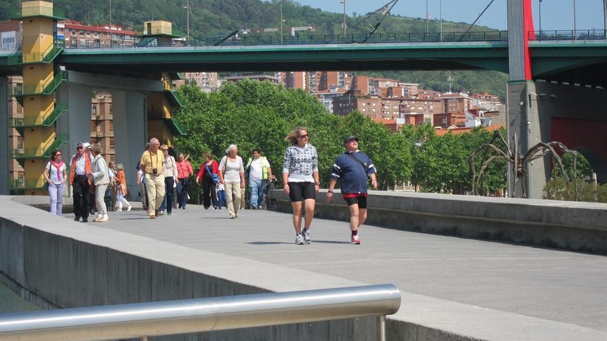 Las entradas de viajeros en Euskadi aumentan un 5,4% en noviembre y las pernoctaciones un 6,8%