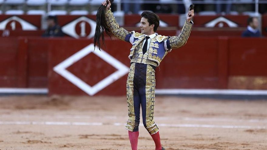 Del Álamo sale a hombros en Salamanca tras indultar un toro de Garcigrande
