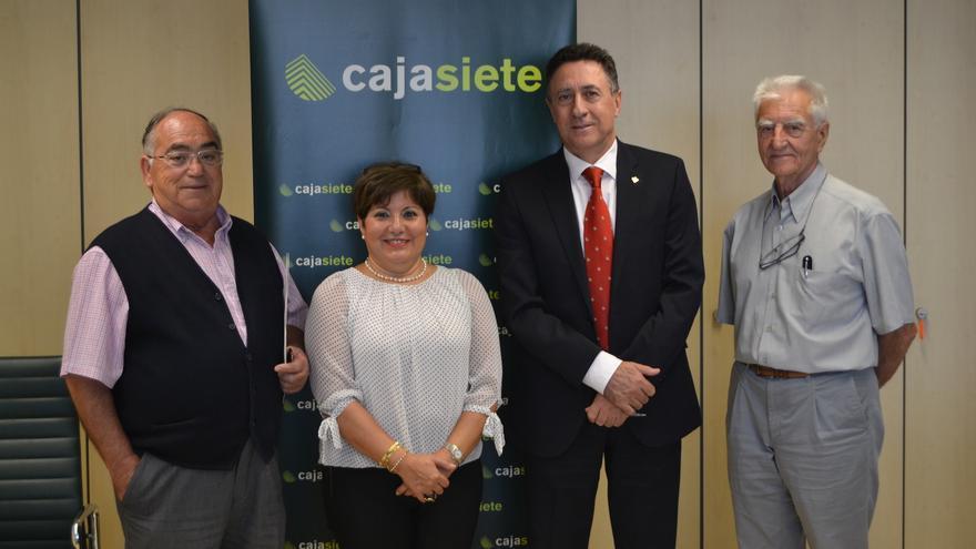 De izquierda a derecha, Juan Fernando Sánchez, presidente de ATELSAM; Ana Concepción, gerente de ATELSAM; Fernando Berge, presidente de la Fundación Cajasiete-Pedro Modesto Campos, y Juan Claudio Bluzat, tesorero de ATELSAM.