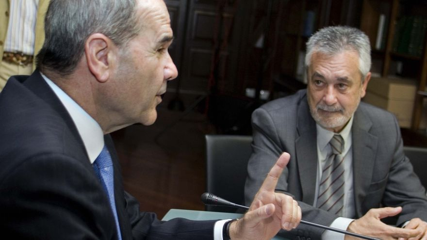 Núñez reclama las agendas de Chaves, Griñán, Viera y Zarrías desde el año 2000 hasta el cese en sus cargos