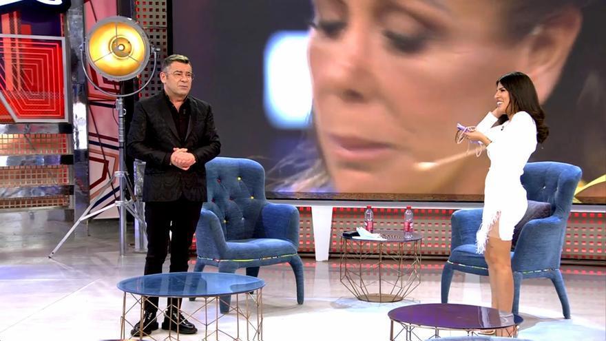 Jorge Javier al concluir su entrevista a Isa Pantoja