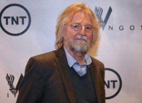 El creador de 'Vikings' presenta lo nuevo en Madrid y agita por parecido con Rajoy