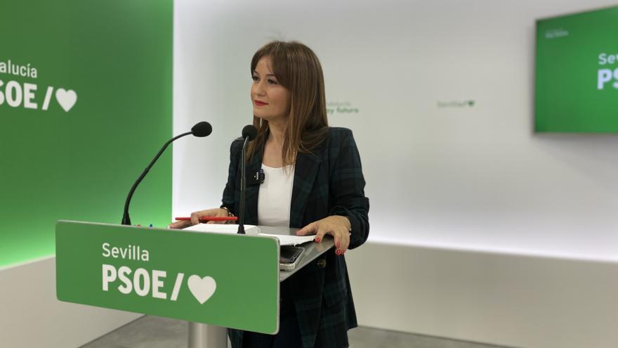 La secretaria general del PSOE de Sevilla, Verónica Pérez, en una rueda de prensa.