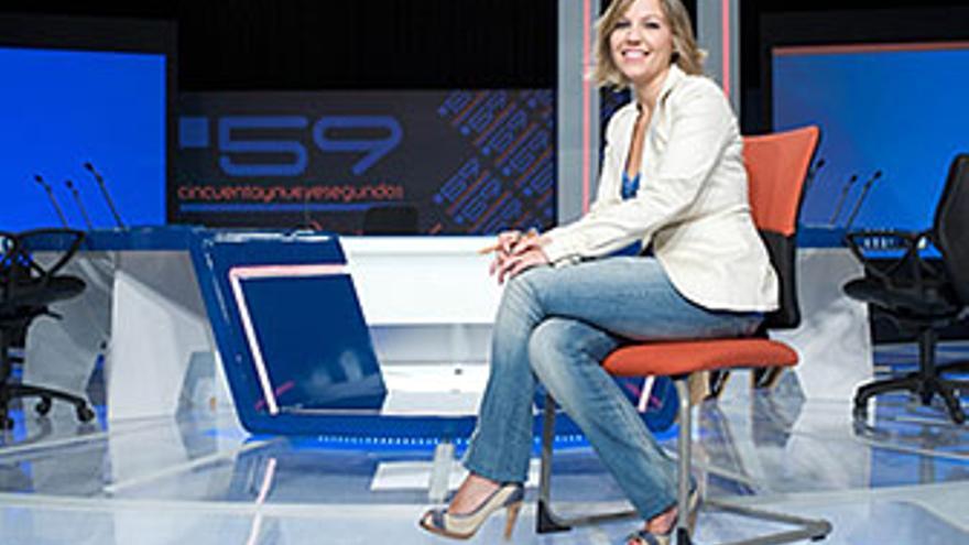 Fátima Hernández presenta una temporada nueva de '59 segundos' de Televisión Española en Canarias.