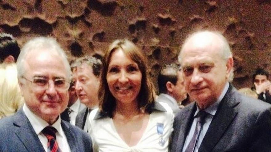 Interior galardona a la jueza de enlace francesa con la medalla de plata Penitenciaria