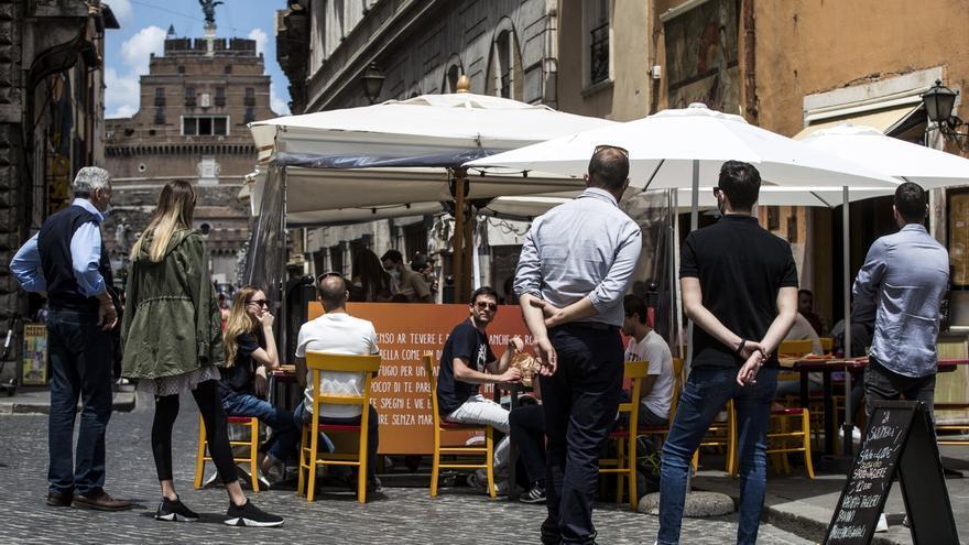 Italia tuvo 1.723 casos y el lunes la mitad del país no tendrá restricciones