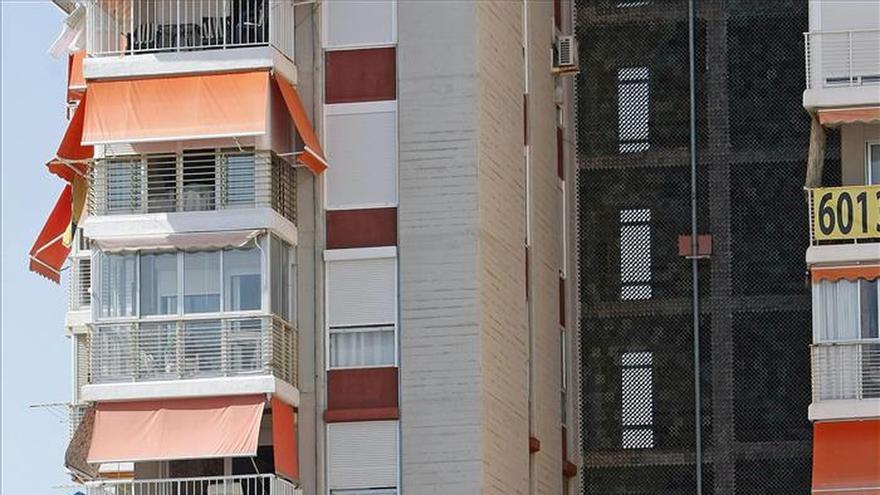 Hallan muerta a una persona con signos de violencia en un edificio de Alicante