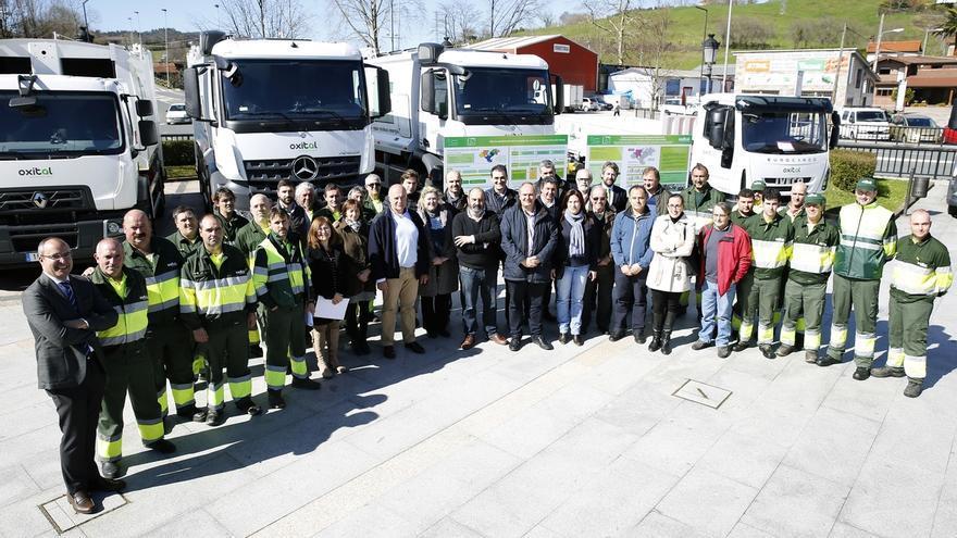 El Gobierno presenta el nuevo servicio de recogida de residuos domésticos en la zona occidental