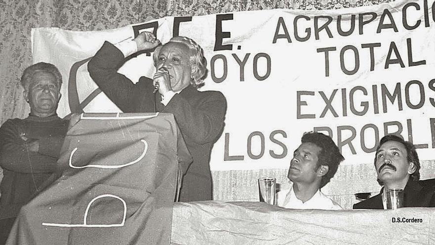Gregorio Sabido, Ignacio Gallego, Santiago Leal, Eugenio Triana en un acto del PCE