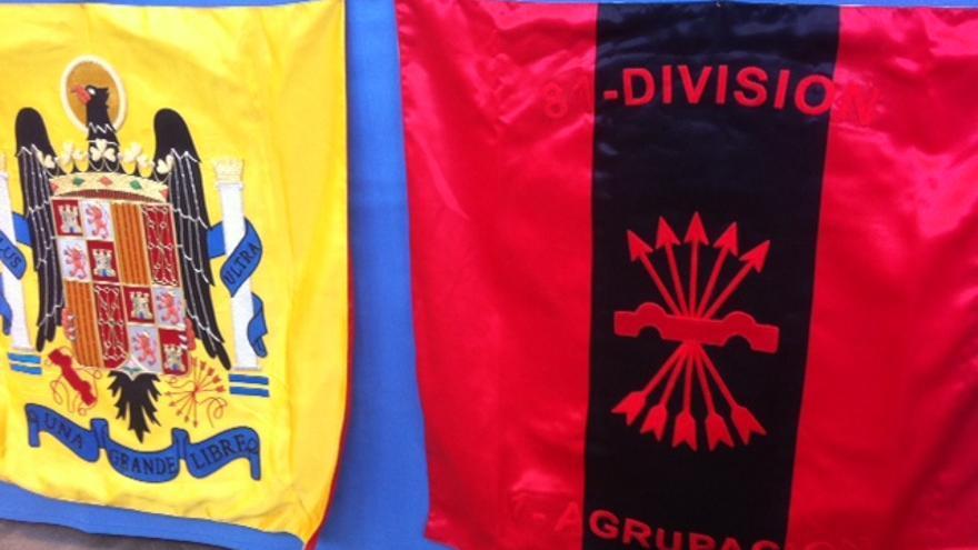 Banderas fascistas en Militaria / Alex Campins