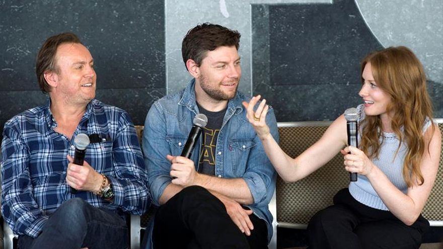 """Glenister anticipa una nueva temporada de 'Outcast' """"más grande y más oscura"""""""