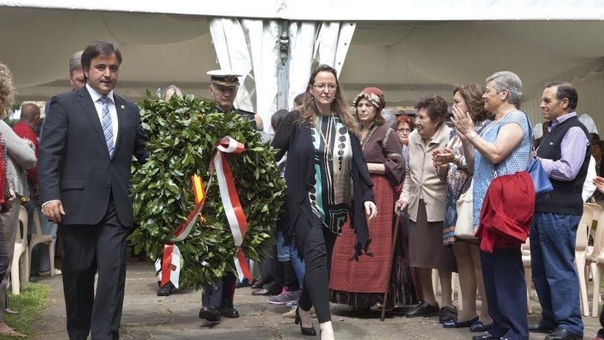 Más de 350 personas rinden homenaje a Pedro Velarde en su casa natal