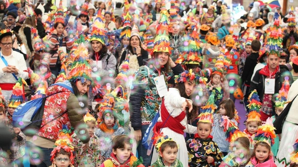 Más de 1.500 escolares de Bilbao en el desfile infantil de Carnaval en 2017
