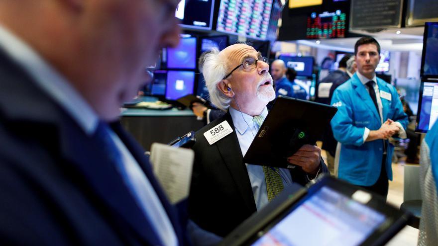 Wall Street cierra en rojo y el Dow baja un 0,44 % pendiente de la inflación