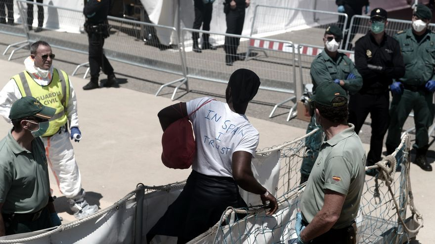 Los inmigrantes del Aquarius a su llegada a Valencia