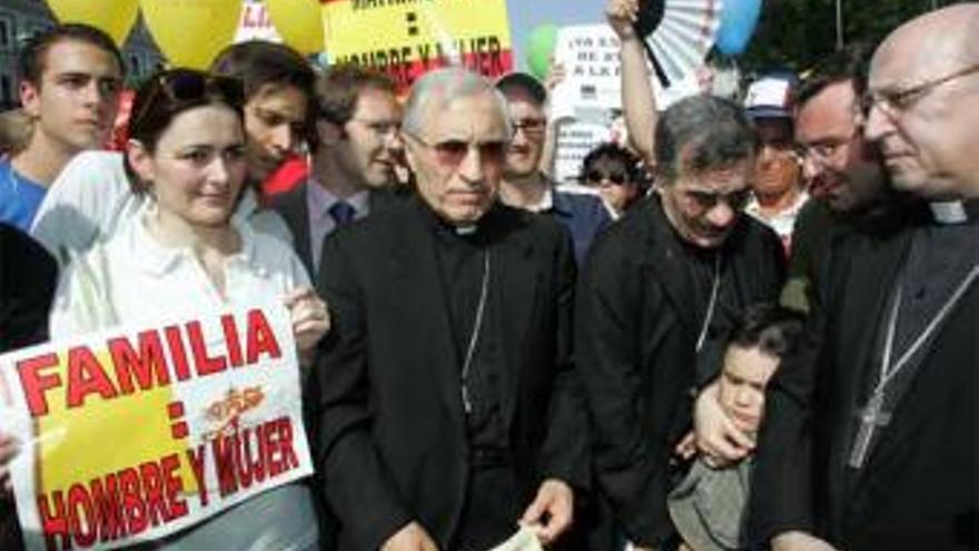 El cardenal Rouco Varela en una manifestación contra el matrimonio gay