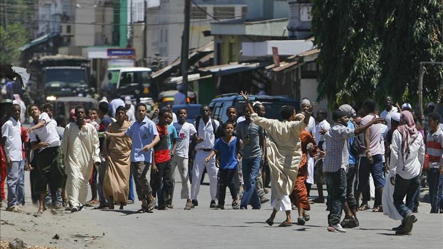 Cuatro muertos en disturbios tras una redada antiterrorista en mezquitas en Kenia