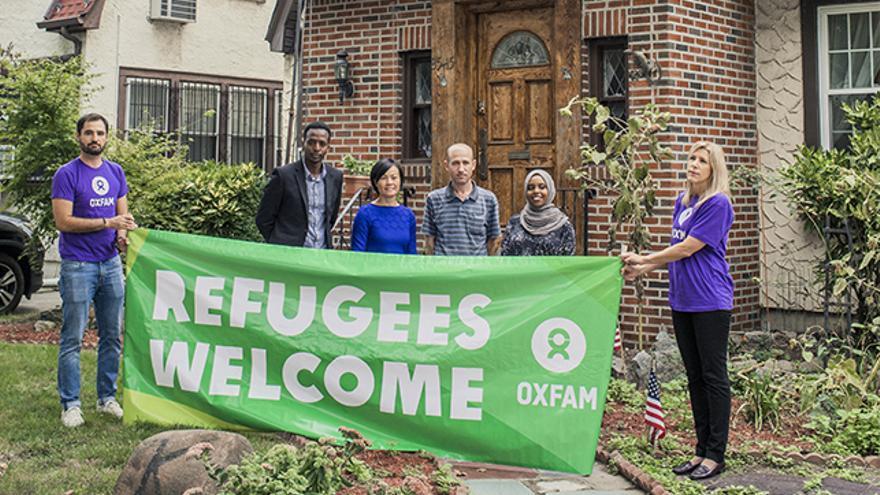 Miembros de Oxfam acompañados por los socios y refugiados Abdi Iftin y Eiman Ali de Somalia, Uyen Nguyen de Vietnam y Ghassan Shehadeh de Siria