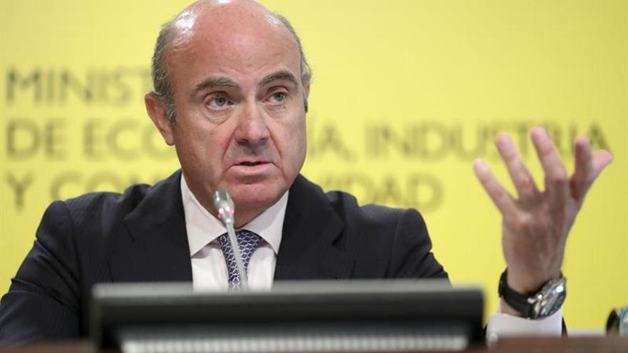 De Guindos confirma que el FROB ya tiene asesor para retomar la venta de Bankia