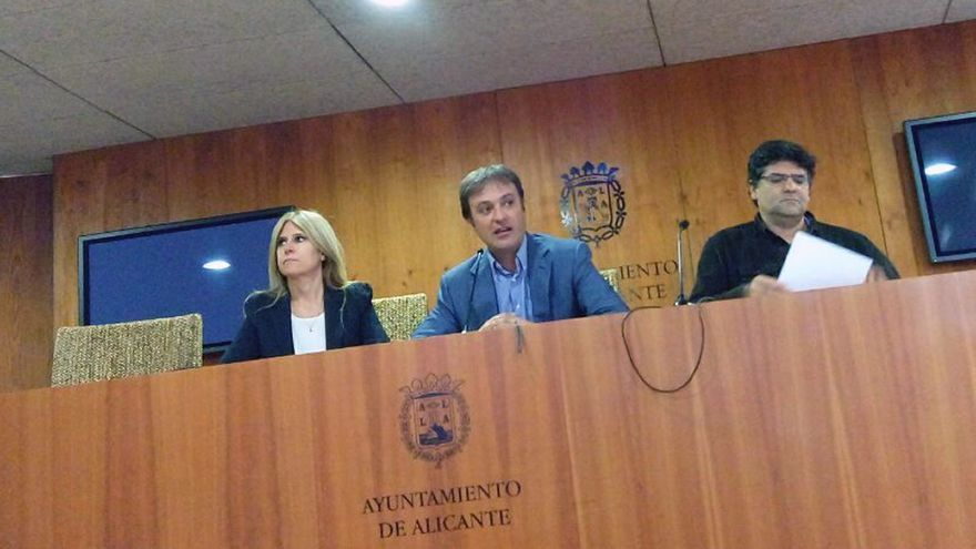 El vicealcalde y concejal de Urbanismo, Miguel Angel Pavón, en rueda de prensa