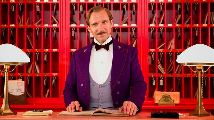 Ralph Fiennes, protagonista de El gran hotel Budapest