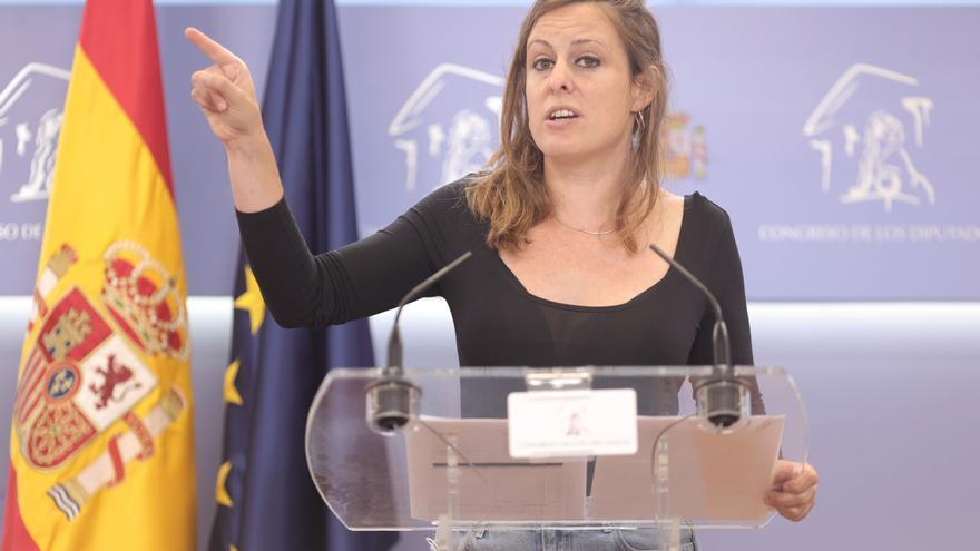 La portavoz de la CUP en el Congreso, Mireia Vehí, ofrece una rueda anterior a la celebración de la Junta de Portavoces en el Congreso de los Diputados, a 14 de septiembre, en Madrid (España).