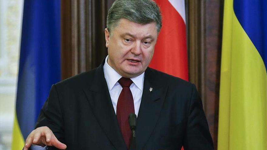 Poroshenko autoriza sanciones económicas contra Rusia a partir del 2 de enero
