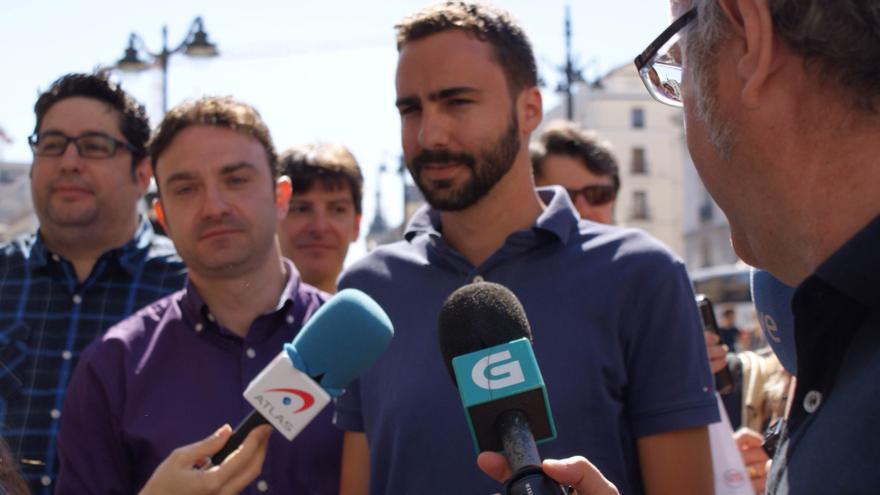 Alberto Sotillos en la presentación de su candidatura en la Puerta del Sol