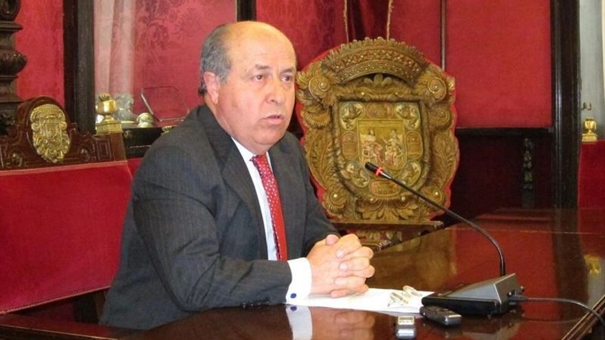 José Torres Hurtado en rueda de prensa cuando era alcalde | EP