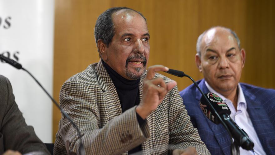 Mohamed Abdelaziz, secretario general del Frente Polisario y presidente de la República Árabe Saharaui Democrática, a la izquierda. / Imagen cedida por EUCOCO Sahara Press.
