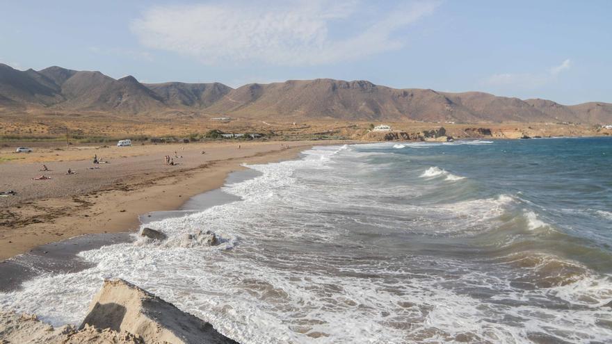 Playa de Los Escullos.
