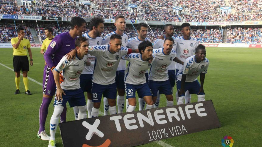 Once del CD Tenerife para enfrentarse al Getafe en el Heliodoro Rodríguez López.