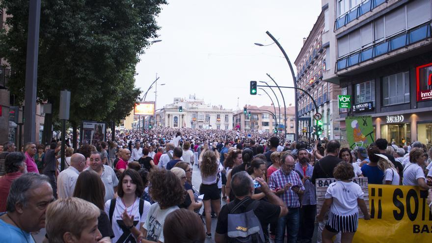 A la manifestación se sumó esta vez gente desde Totana, Lorca, Alcantarilla o Cartagena