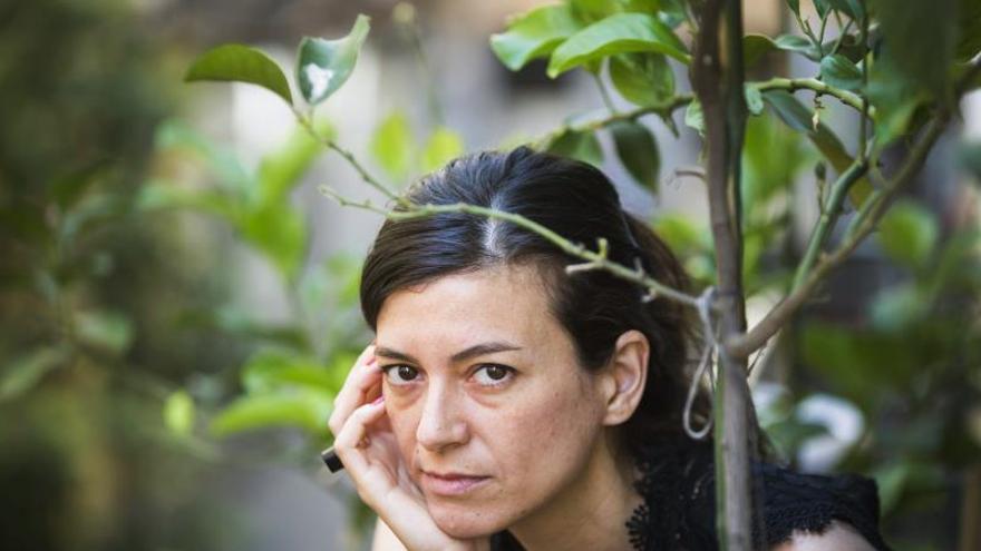 La argentina Samanta Schweblin novela el lado oscuro de la tecnología