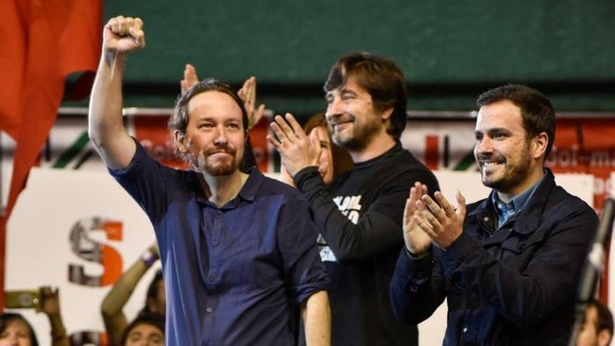Iglesias, Garzón y la bandera tricolor