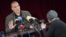 El exministro griego Yanis Varufakis ofrece una rueda de prensa sobre la presentación de su Movimiento Democracia en Europa 2025 (DiEM25)