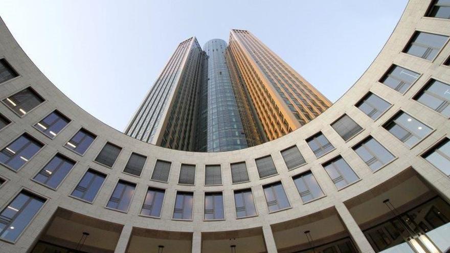 Torre de Frankfurt construida por Hochtief