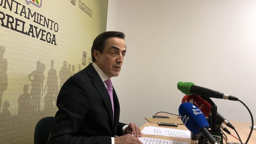 """Ildefonso Calderón anuncia su intención """"al 99%"""" de dejar sus cargos y el PP"""