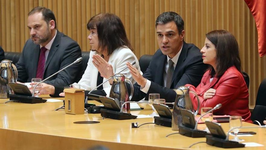 """Sánchez advierte a Rajoy y al Gobierno: """"Su tiempo acabó"""""""