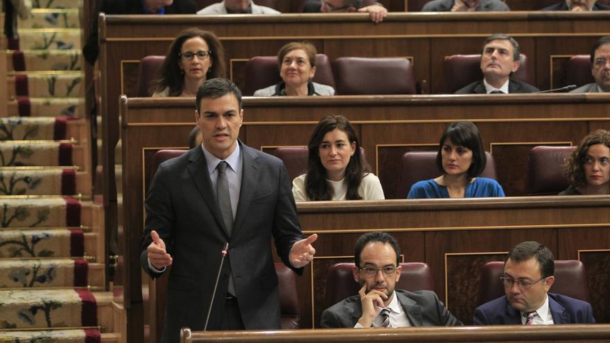 """Pedro Sánchez dice que el Gobierno de Rajoy es """"insensible"""" e """"impotente"""" ante problemas de España"""
