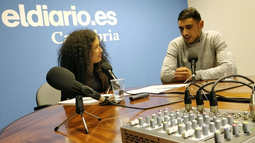 Patricia Manrique coordina el podcast 'Voces del Vecindario' de eldiario.es Cantabria. | ANDRÉS HERMOSA