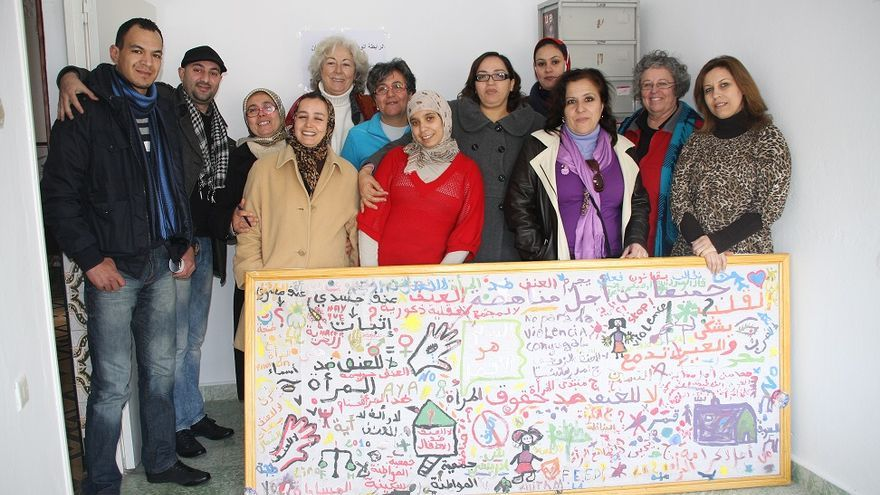 Encuentro de APDHA con asociaciones de Tetuán. Campaña sobre las mujeres porteadoras transfronterizas.